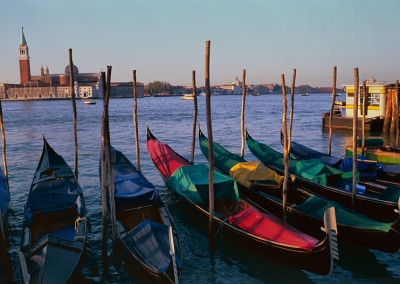 081 Venice gondolas