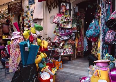 1105 Cassis, France shop