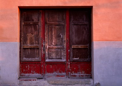 624 Door in morning sunlight, Montalcino, Italy