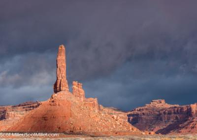 01168 Storm light, Valley of the Gods, Utah